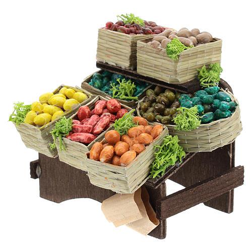 Mesa con cajas de fruta belén napolitano 2