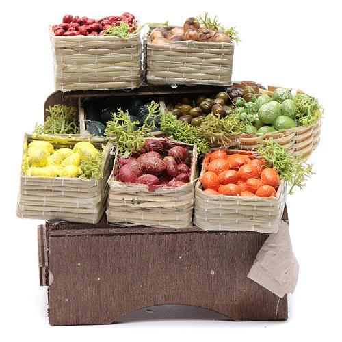 Table avec caisses de fruits crèche napolitaine 1