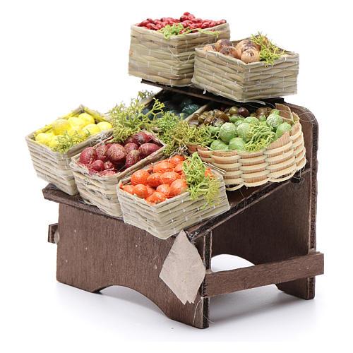 Table avec caisses de fruits crèche napolitaine 2