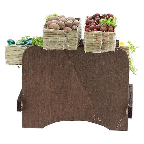 Table avec caisses de fruits crèche napolitaine 4