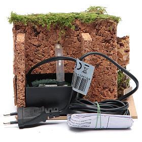 Fontana elettrica in ambiente roccioso per presepe di dimensioni 10x15x10 cm s4