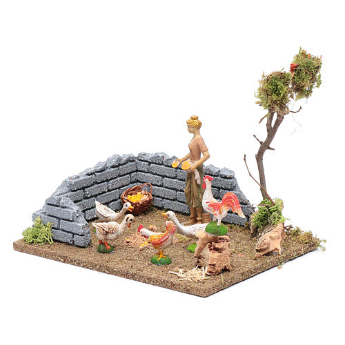 Countrywoman in henhouse for nativity scene 15x20x15 cm 2