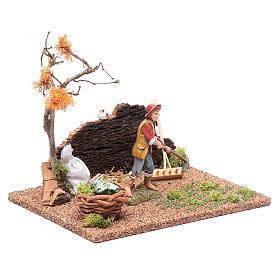 Hombre cavando en el huerto para belén 15x20x15 cm s3