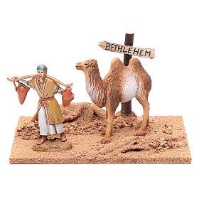 Pèlerin avec chameau 10x19x15,5 cm s1