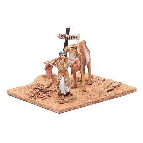 Pèlerin avec chameau 10x19x15,5 cm s3