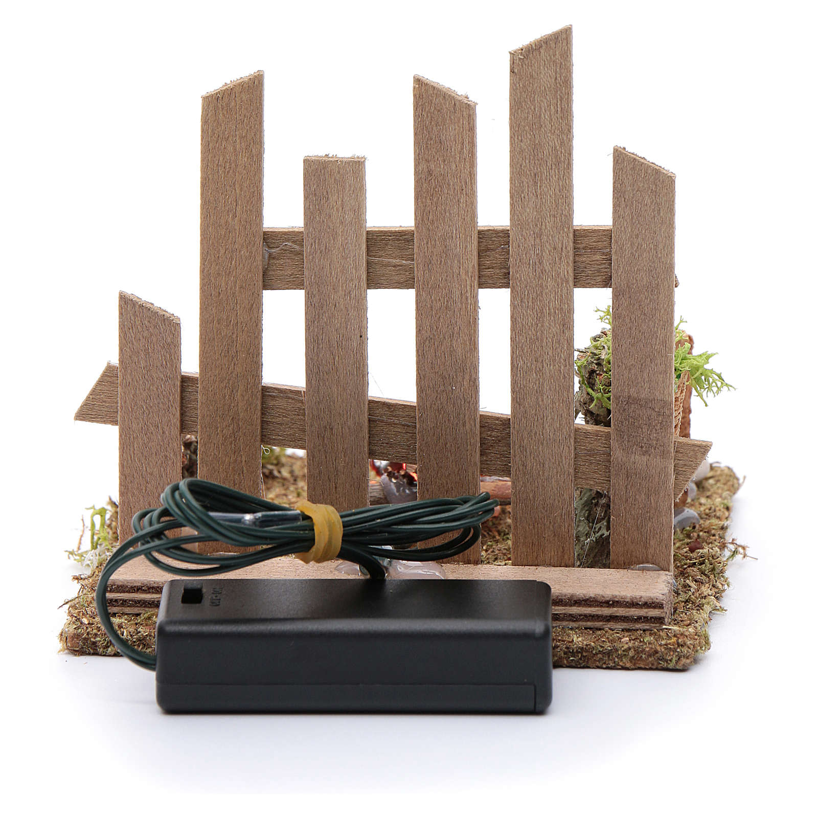 Campfire with fence and LED light with batteries 10x10x10 cm 4