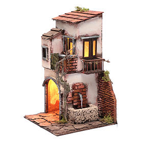 Maison avec fontaine décor pour crèche 30x20x20 cm s2