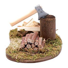Ferramentas de Trabalho para Presépio: Acessório presépio machado com troncos de madeira