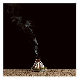 Olla sobre fogata y leña con generador de humo 4,5V s2