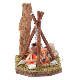 Fours et feux crèche: Casserole et bois disposés pour bivouac 230 V