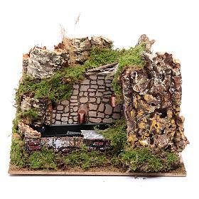 Fontane Presepe: Ambientazione fontana con pompa e parete rocciosa 15x20x15
