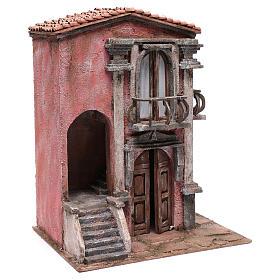 Casa de pesebre con escalinata y balcón 45x35x25 cm s3