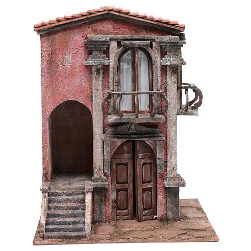 Casa de pesebre con escalinata y balcón 45x35x25 cm 1