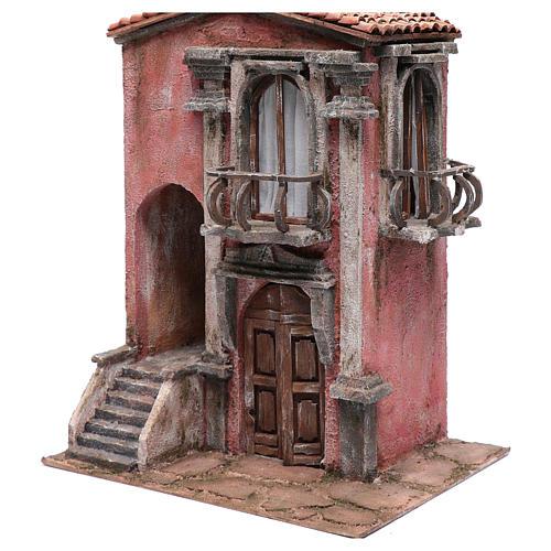 Casa de pesebre con escalinata y balcón 45x35x25 cm 2