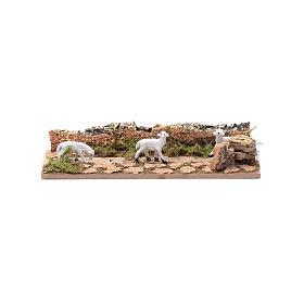 Tratto di pecore in cammino in sughero 5x15 cm per presepe 3,5 cm s1