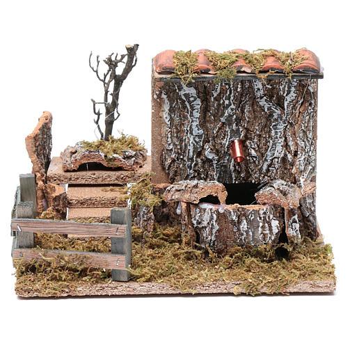 Fontana con pompa su parete rocciosa e tetto per presepe 15x20x10 cm 1