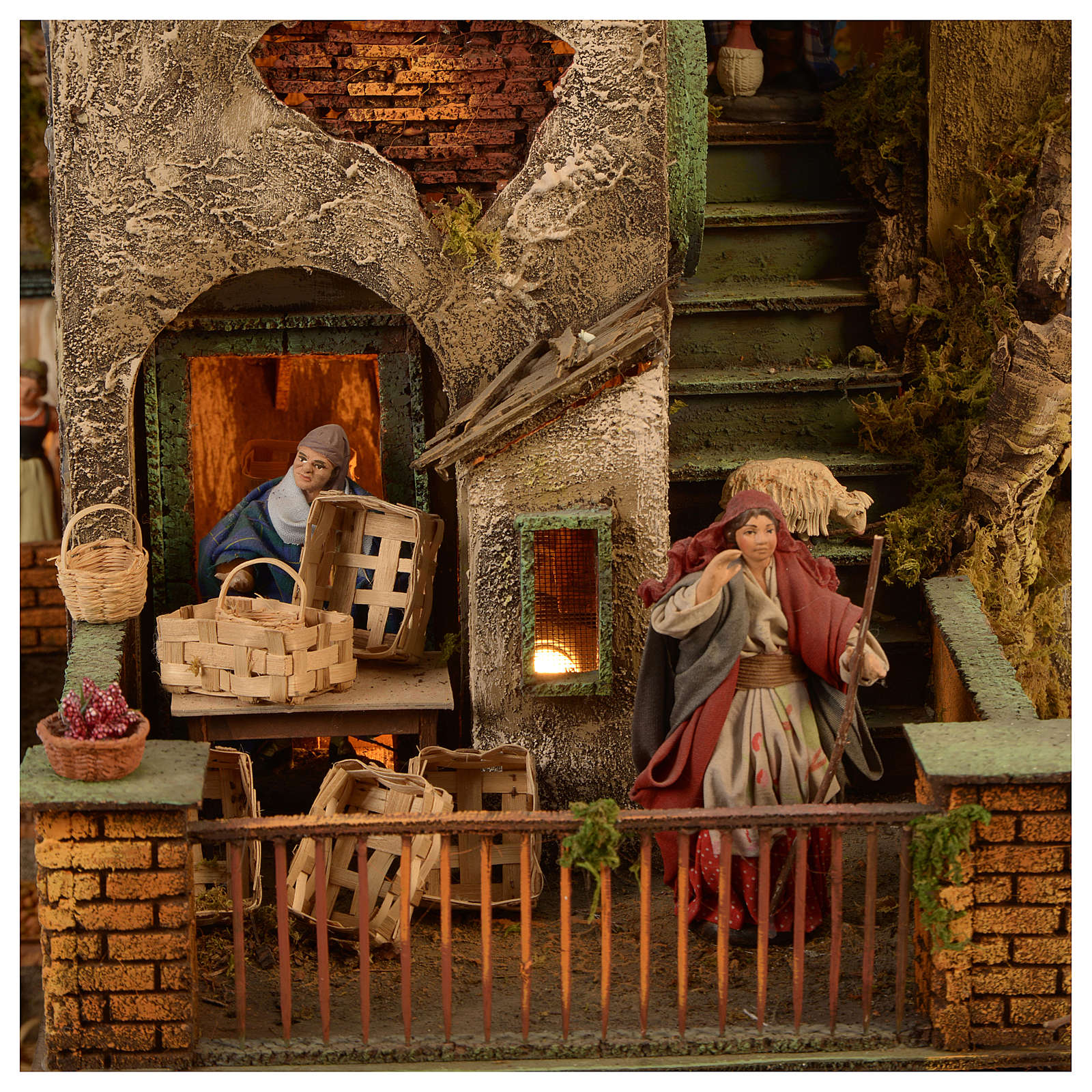 Bourgade crèche Naples décor complet Naples 4 modules 120x400x100 cm 125 santons de 14 cm 20 mouvements 4
