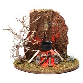 Fuego y olla de campamento para belén 10-12 cm de altura media madera llama iluminada 3,5-4,5V s1