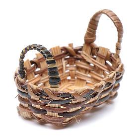 Accessoires maison en miniature: Panier en osier pour vêtements pour crèche 3,5x4,5 cm