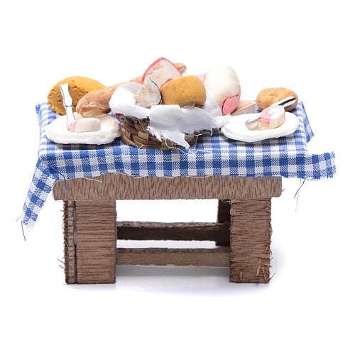 Mesa con quesos y carne 10x10x5 cm pesebre napolitano 1