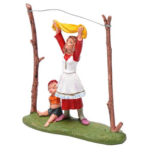 Donna che stende i panni 10 cm Fontanini 4