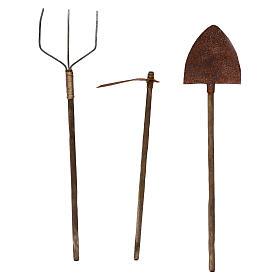 Attrezzi da lavoro tre modelli presepe napoletano cm 22 metallo e legno s2