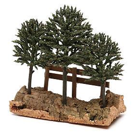 Alberi su roccia con steccato per presepe 8 cm s2