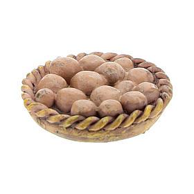 Aliments en miniature: Panier avec oeufs 2x2x3 cm pour crèche 6-8 cm