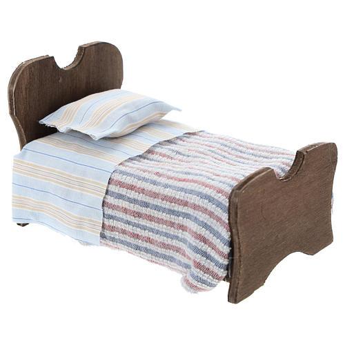 Cama de madera sábana y manta de tela 10 cm 3