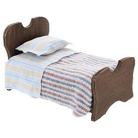Lit en bois drap et couverture en tissu 10 cm s3