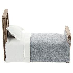 Cama con manta y sábana de tela para belenes 15 cm s1