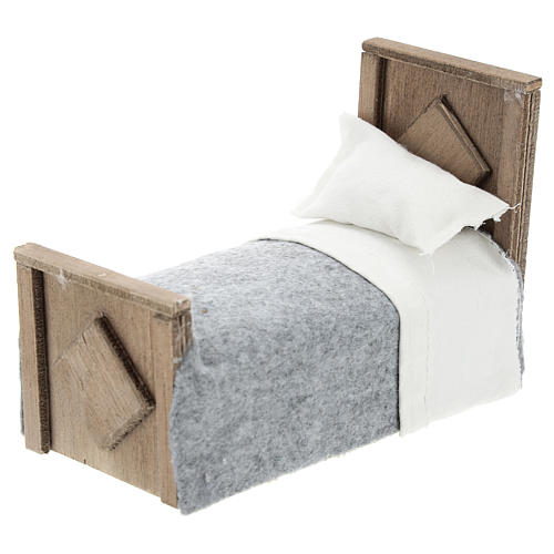Cama con manta y sábana de tela para belenes 15 cm 2