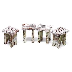 Tavolo tombola e sgabelli di 5x5x5 cm per presepe di 10 cm  s3