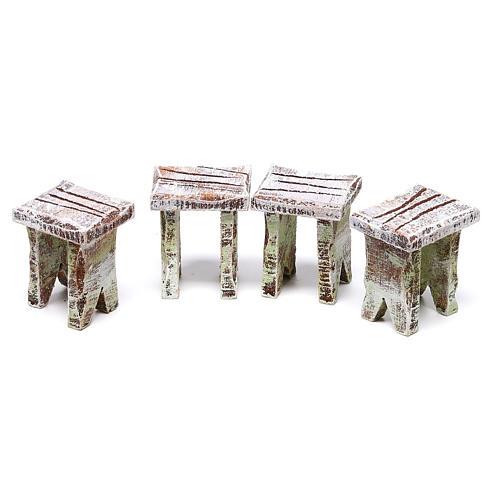 Tavolo tombola e sgabelli di 5x5x5 cm per presepe di 10 cm  3