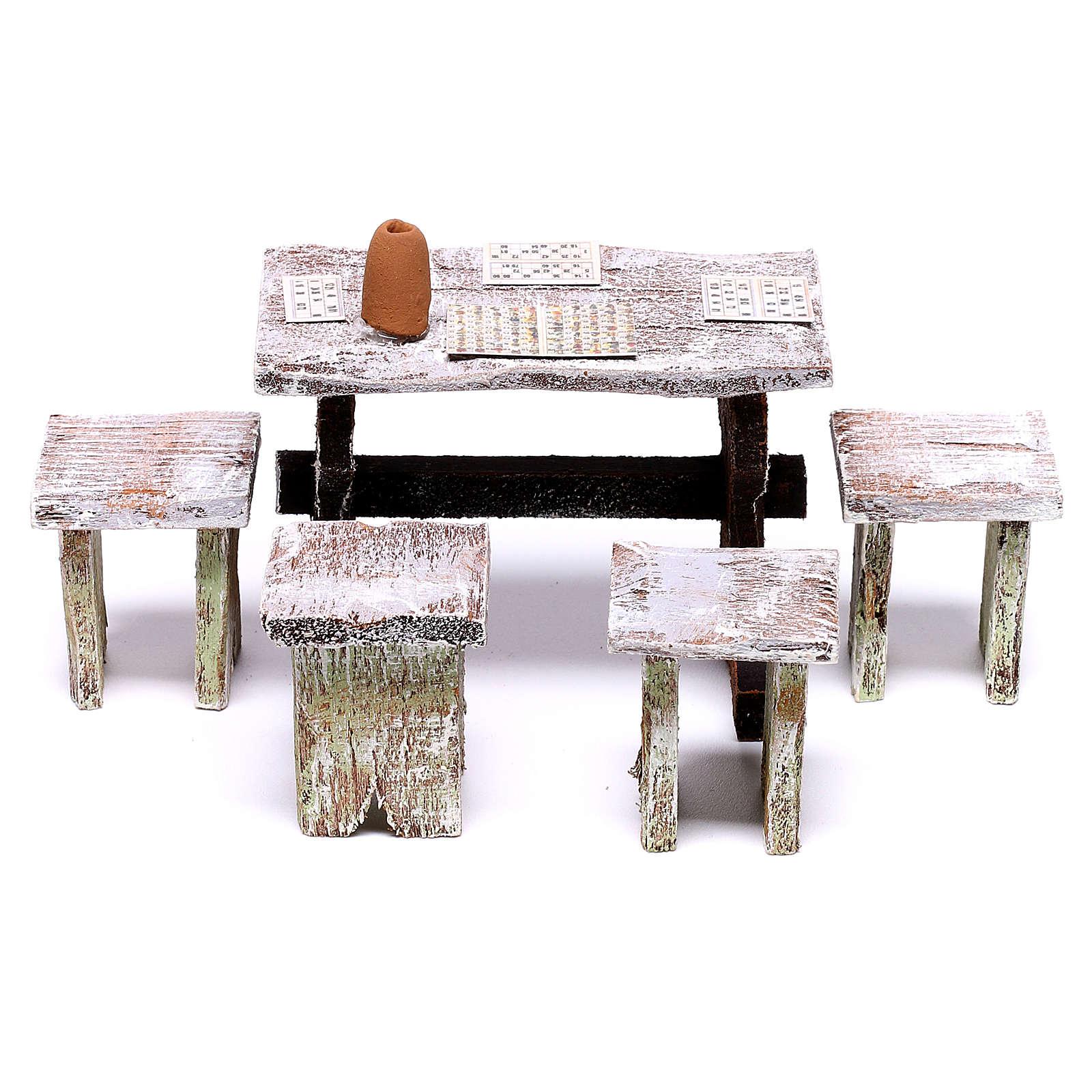 Mesa bingo y 4 taburetes de 5x5x5 cm para belén de 12 cm 4