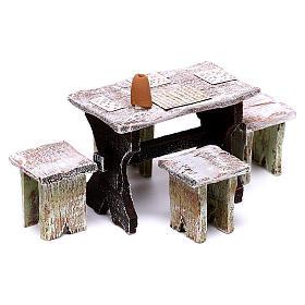 Mesa bingo y 4 taburetes de 5x5x5 cm para belén de 12 cm s2