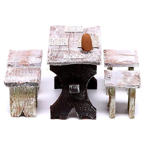 Mesa bingo y 4 taburetes de 5x5x5 cm para belén de 12 cm 3
