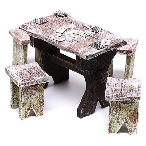 Mesa con cartas y 4 taburetes de 5x5x5 cm para belén de 12 cm 2