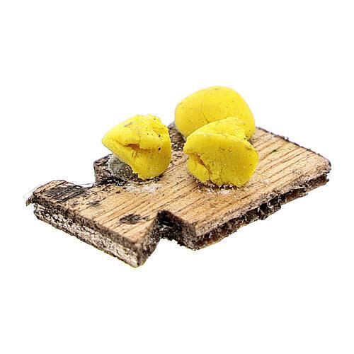 Tabla de cortar pasta fresca para belén napolitano de 12 cm 2