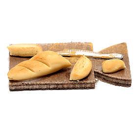 Tagliere con pane per presepe napoletano di 24 cm s1