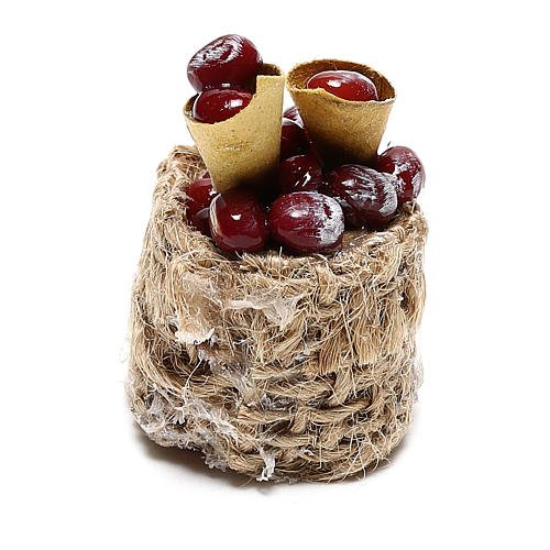 Chestnut basket with cones for Nativity scenes of 10 cm 2