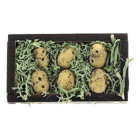 Comida em Miniatura para Presépio: Caixa batatas madeira e resina para presépio com figuras de 4 cm de altura média
