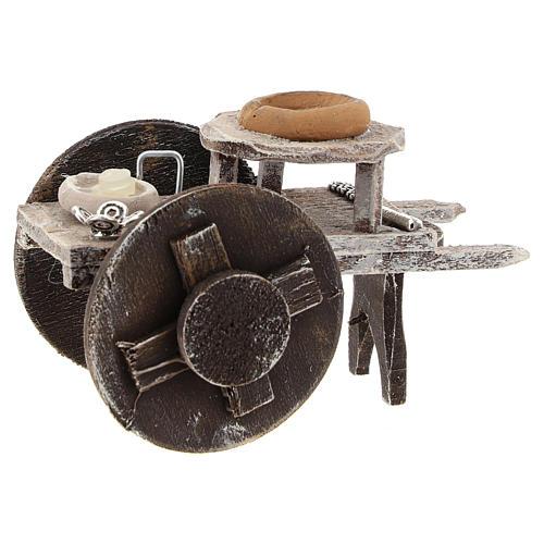 Carretto barbiere con attrezzatura presepe 10 cm 2