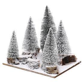 Forêt de sapins enneigés pour crèche en style nordique de 6 cm s2