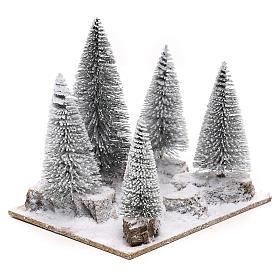 Forêt de sapins enneigés pour crèche en style nordique de 6 cm s3