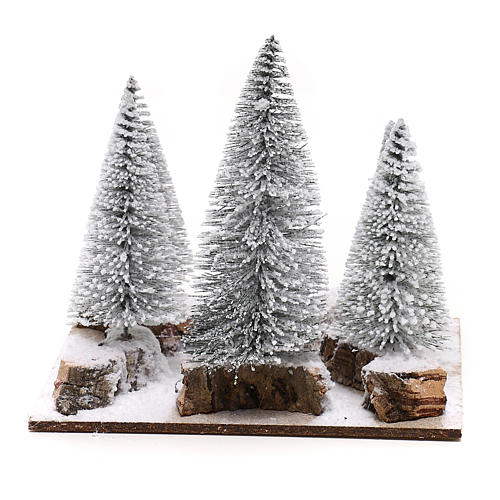 Forêt de sapins enneigés pour crèche en style nordique de 6 cm 4
