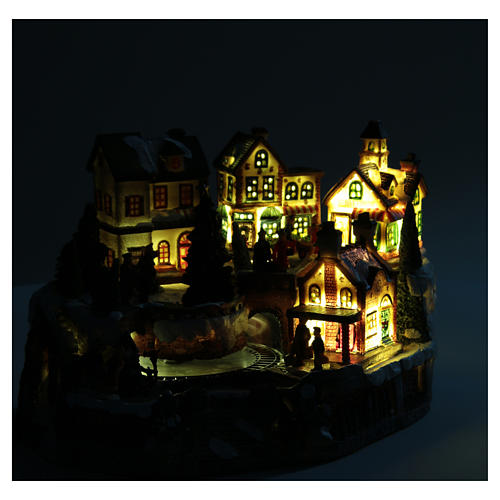 Animated Christmas village with train 35x25x20 cm 6