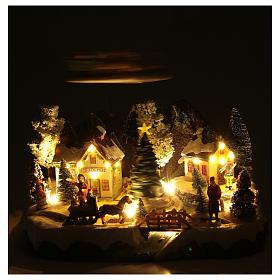 Weihnachtsszene Schlitte mit Weihnachtsmann 30x25x25cm s5
