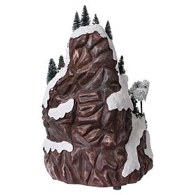 Animated village with mountain 45x30x25 cm s5
