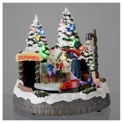 Village blanc de Noël avec train en mouvement 20x20x20 cm 2